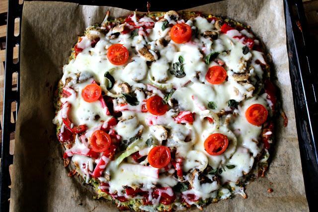 FIT pizza na spodzie z cukinii