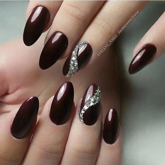 Modne Paznokcie na Jesień: TOP 25 Cudownych Inspiracji na Jesienny Manicure