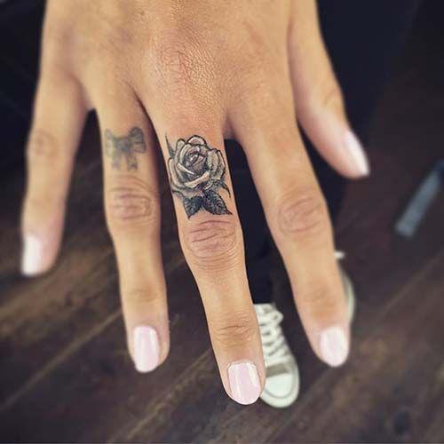 Tatuaż Na Palcu Top 25 świetnych Inspiracji Na Modny Tatuaż
