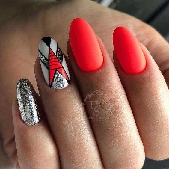 Modny Manicure na Lato – TOP 28 Niesamowitych Propozycji na Ten Sezon!