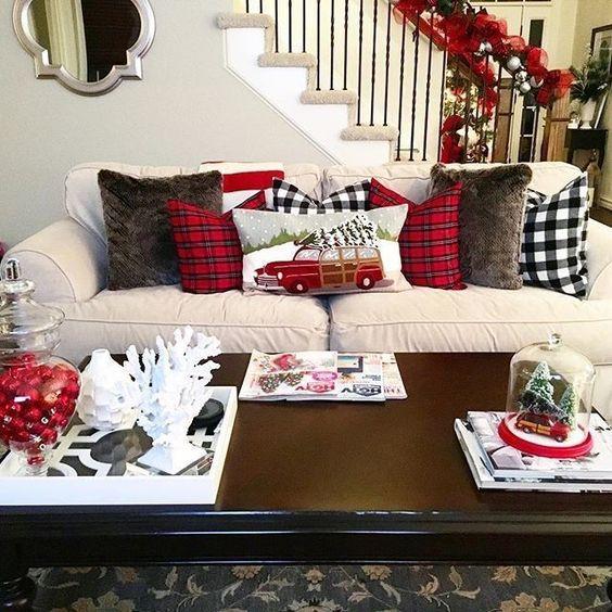 Świąteczne Dekoracje do Salonu – TOP 24 Ciekawe Inspiracje na Święta