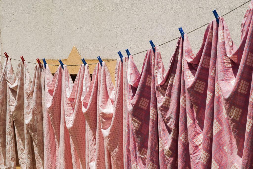 Jak Uratować Zafarbowane Pranie? – Skuteczne Domowe Sposoby